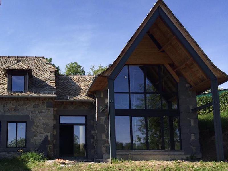 Maison en pierre-avec menuiseries alu